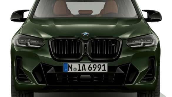 "alt=""BMW X3 M40i M40d G01 LCI Facelift 2021 Malachitgrün metallic M40i spezifische Designelemente Frontansicht"""